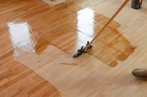 expert floor varnishing